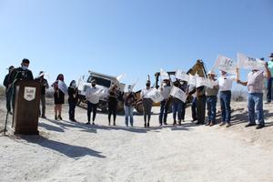 Rehabilitan camino de acceso a 'Las Playitas' en Cuatro Ciénegas