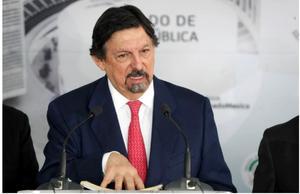 Sindicato denuncia a Gómez Urrutia por cierre ilegal de mina