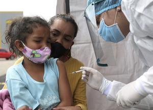AMLO: Garantiza vacunación contra el COVID-19 a migrantes