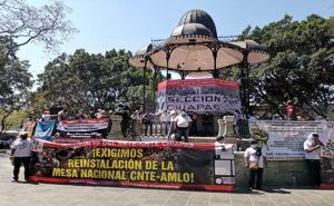 Marcha Sección 22 en Oaxaca en apoyo a Caravana del Sur de Chiapas