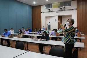 UAdeC en Monclova capacita a su personal para laborar con austeridad