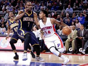 Pacers remontan y ganan a Pistons