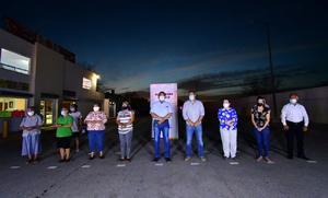 Inauguran alumbrado público vecinos de la calle Coahuila en Monclova