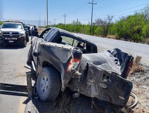 Se registra desigual choque entre tráiler y camioneta sobre carretera 30 de Frontera