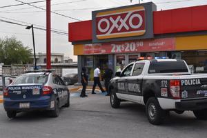 Atrapan en Monclova a dos asaltantes en tienda de conveniencia