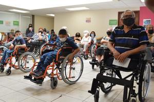 Ayuda DIF Coahuila a personas con algún tipo de discapacidad