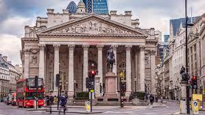 La Bolsa de Londres avanza un 0,99 % impulsada por las mineras