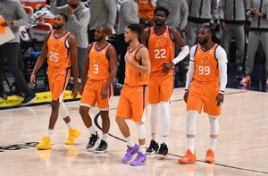 Apurado triunfo de Suns sobre los Raptors