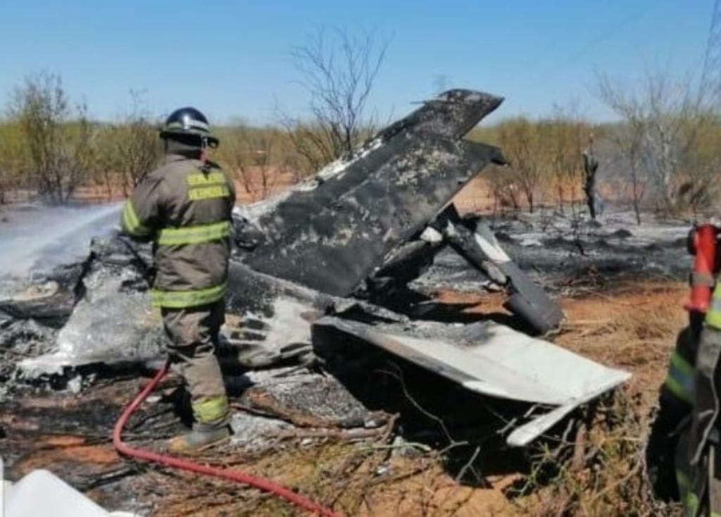 Avioneta choca contra cables de alta tensión en Hermosillo; hay 4 muertos