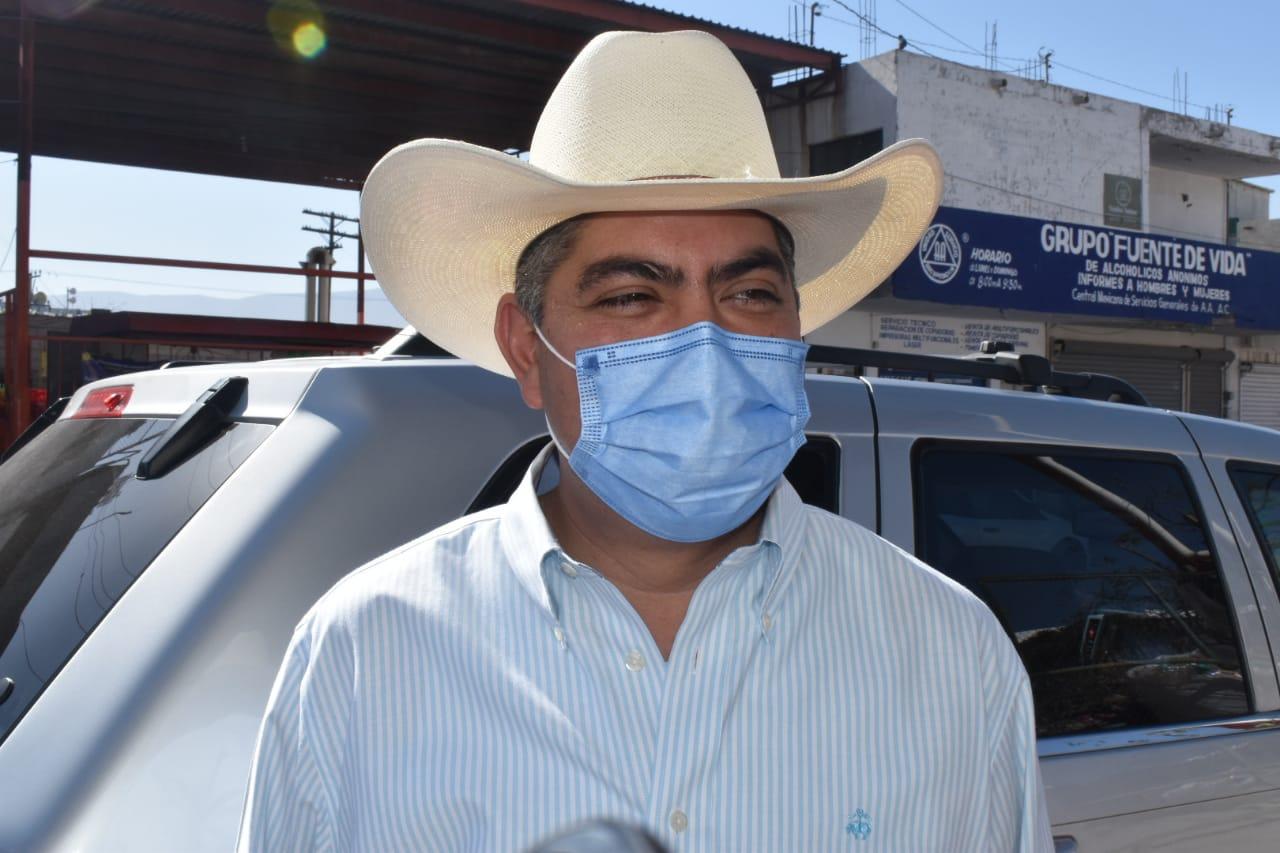 'No vamos a pelear, vamos a exigir lo que corresponde', dice Alfredo Paredes