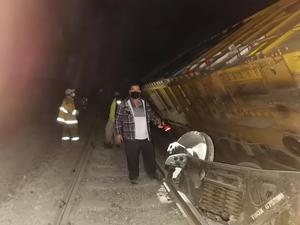 Se descarrila tren en Espinazo