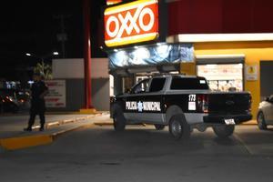Asaltan tienda de conveniencia en Monclova