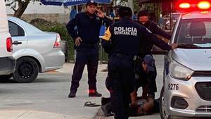 AMLO: 'Mujer sometida por policías en Tulum fue brutalmente asesinada'