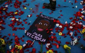 Mujeres protestan por muerte de salvadoreña