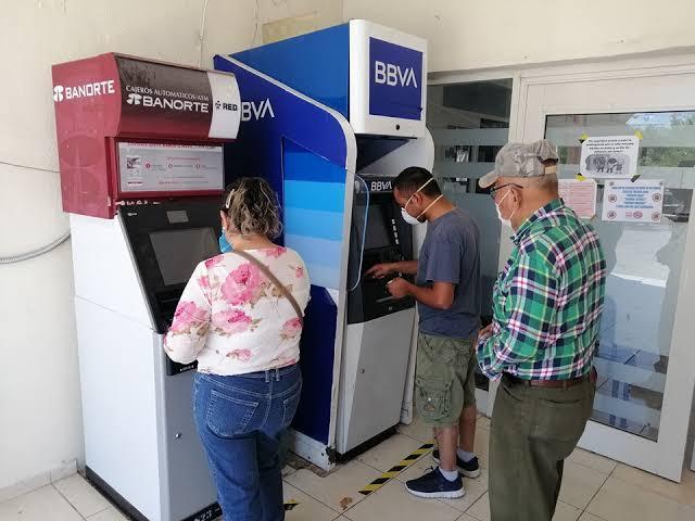 Bancos de Monclova cerrarán desde el jueves
