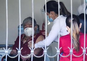 Costa Rica ha vacunado contra la covid-19 al 7.44 % de su población
