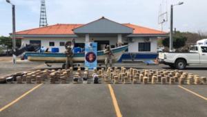 Incautan en Panamá 648 paquetes de droga en operación con el apoyo de EU