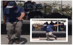 Adulto mayor baila tras recibir vacuna contra Covid en Huixquilucan