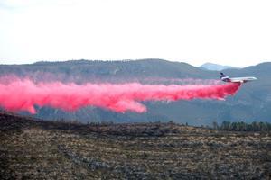 Avanza combate de aeronave al fuego en Sierra de Arteaga