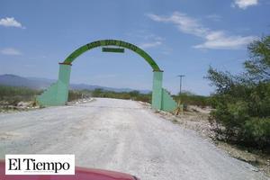 Sin pavimentar 24Ejidos de Castaños: Sin recursos la SCT