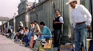 FMI: Trabajadores menos calificados sufren triple golpe por pandemia