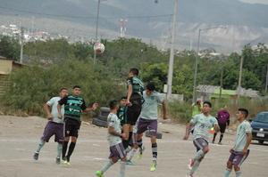 Reanudan fútbol castañense