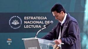 Marx Arriaga: Envía mensaje motivacional a quienes rediseñan libros de SEP