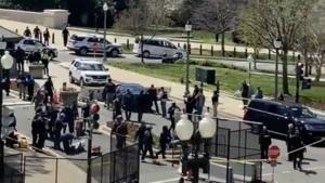 Coche atropella a dos policías en el Capitolio de EU