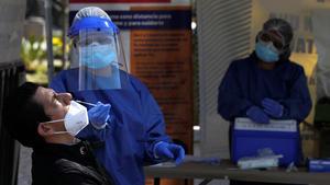 Disminuye un 50% demandade pruebas de COVID-19 en la Región Centro