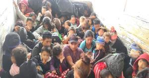 Hallan 61 migrantes hacinados en Nuevo León