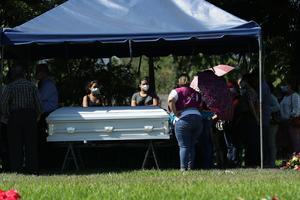 Sepultan en El Salvador a Victoria, migrante asesinada por policías de Tulum