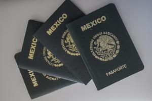 Embajada en España expide ya pasaporte mexicano