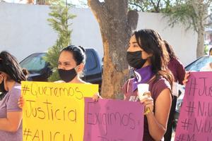 Con una caravana y protesta exigen justicia por feminicidio en Monclova