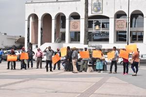 En plena campaña militantes de Morena inician protesta en Monclova