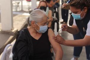 Vacunan hoy a 7,500 adultos de 60 años