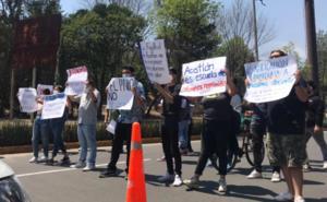Estudiantes de FES Acatlán bloquean calles; ratifican paro de labores