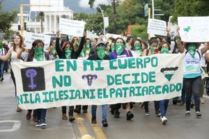 Diputadas de Morena, PT y PRI van por despenalizar el aborto