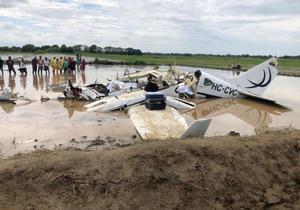 Seis fallecidos en accidente de aeronave en región costera de Ecuador