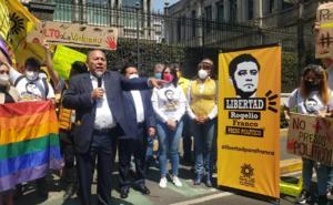 PRD acusa que gobierno federal busca 'descarrilar' a sus opositores