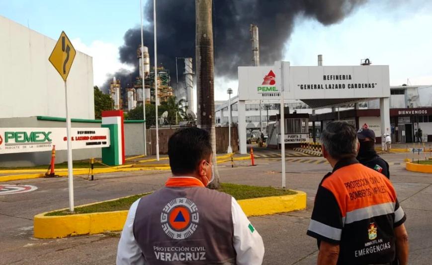 Pemex confirma 6 heridos tras incendio en refinería Lázaro Cárdenas en Veracruz