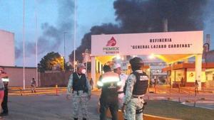 AMLO: Incendio en refinería, 'bastante fuerte y aparatoso'