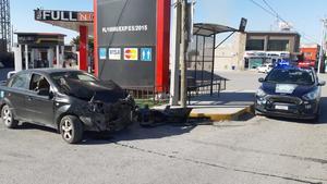 Mujer ignora alto y provoca accidente en la Héroes del 47 en Monclova