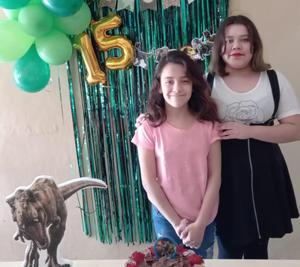 Ángela celebra XV años en Monclova