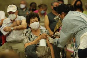 ¿Qué necesita México para cumplir su plan de vacunación contra el COVID-19?