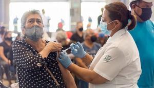 Inicia aplicación de segundas dosis de la vacuna antiCovid en SLP