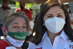 Apoyo social promete en colonias candidata priista en Monclova