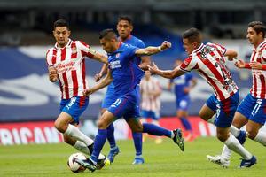 Cruz Azul superior a Chivas