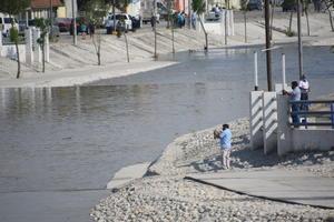 Sorprenden a niños en pleno 'chapuzón' en Monclova