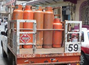 Acude PC al llamado  de 6 fugas de gas LP por el intenso calor en Frontera