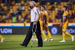 Tuca no mandó sacar al aficionado: 'Siempre están chin… no me afecta'
